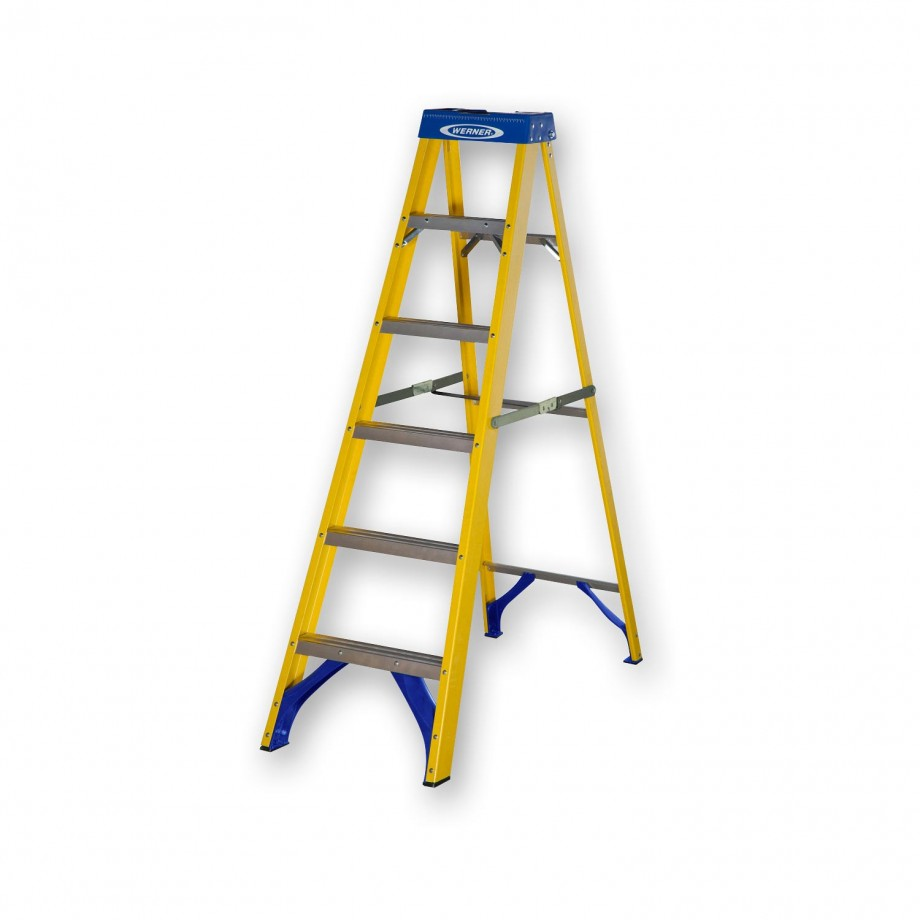 Werner Fibreglass Swingback Stepladder Trade 4 Tread